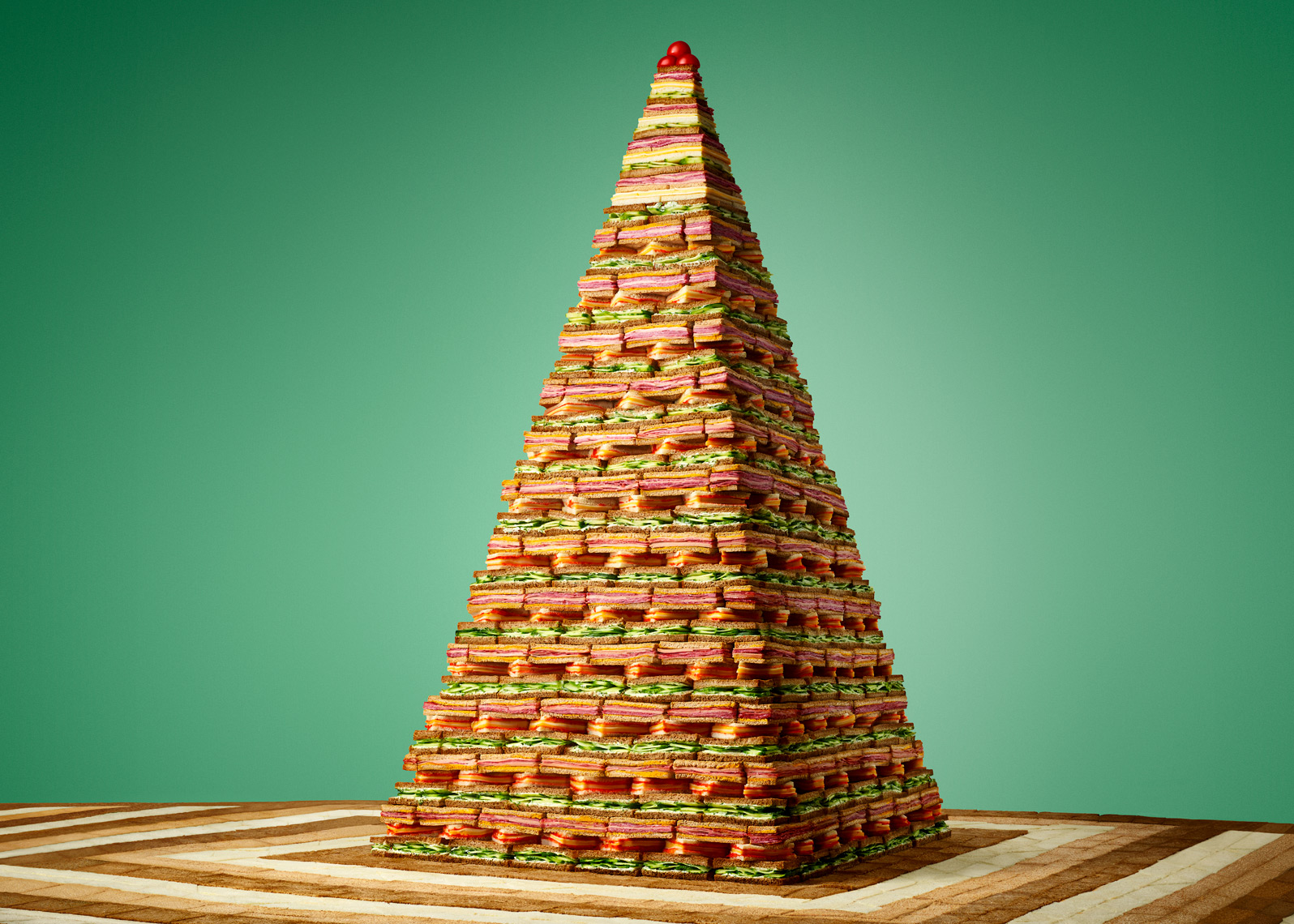sandwich_pyramid_web